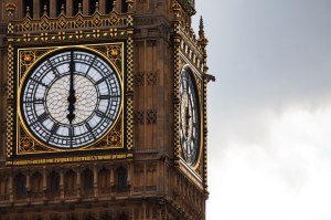 time-on-big-ben-871288272557hWmZ
